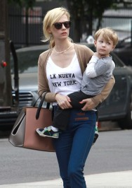 Exclusive... 51423888 'Mad Men' actress January Jones takes her Son Xander out to eat at Little Dom's in Los Feliz, California on May 21, 2014. FameFlynet, Inc - Beverly Hills, CA, USA - +1 (818) 307-4813